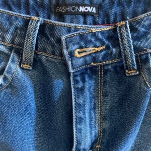 Fashion Nova double sided ripped jeans!